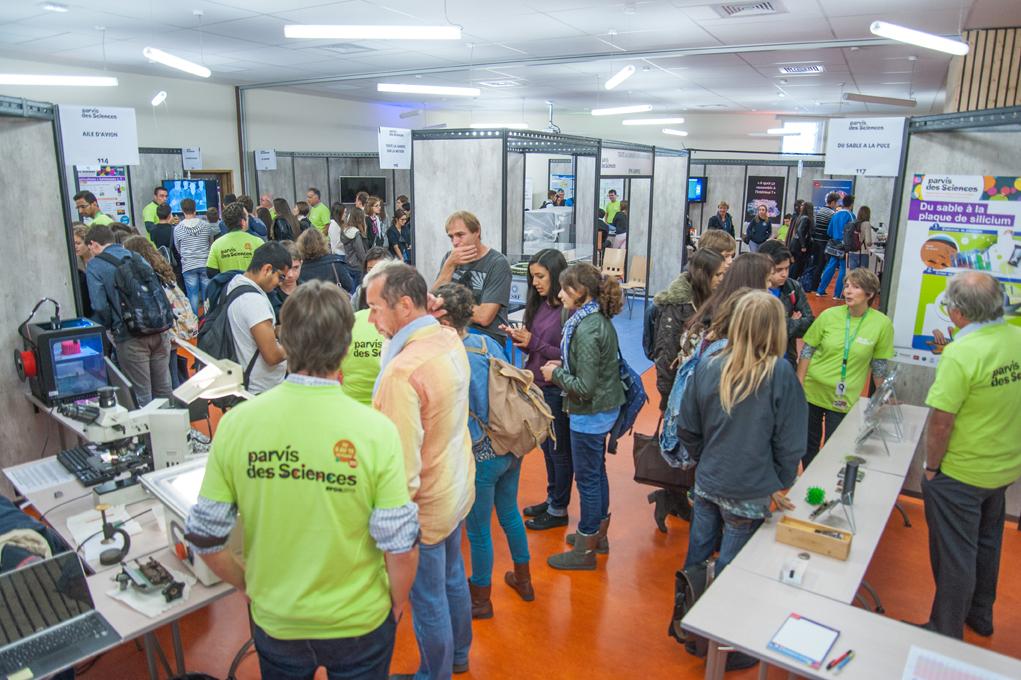 Parvis des Sciences 2015 - Stands